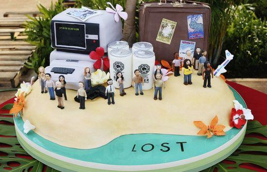 tarta decorada con los personajes de perdidos