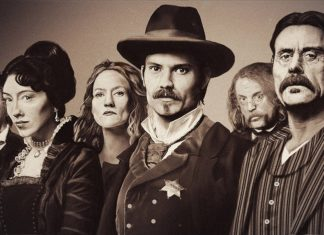 poster blanco y negro deadwood