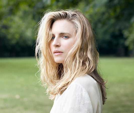 Brit Marling actriz de The OA