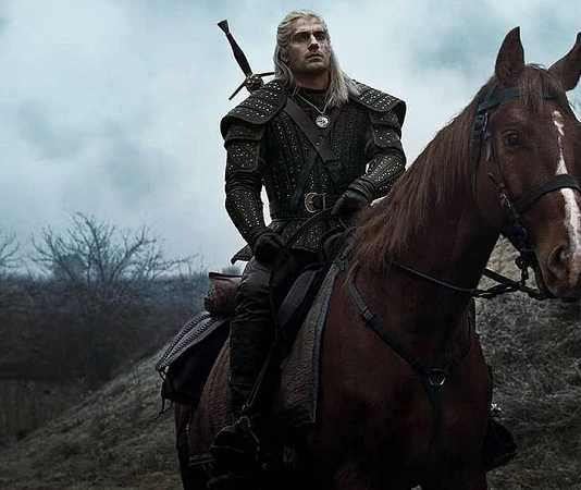 geralt de rivia y caballo en the witcher