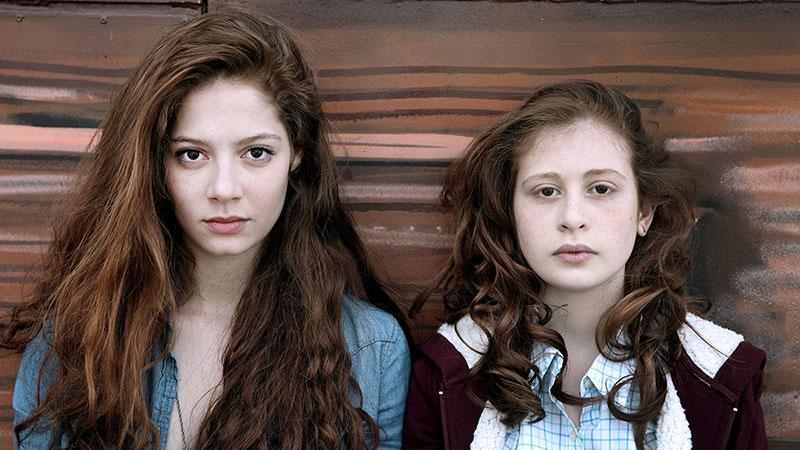 Lena y Camille de Les Revenants
